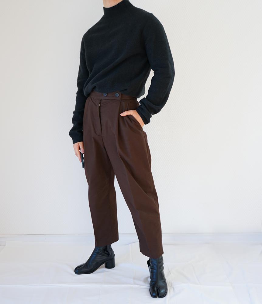 【COS】コスパ最高。メンズがレディースのパンツを履く!