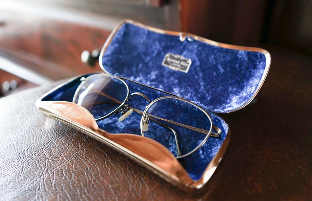 REINHOLD KÜHN 世界最高のメガネケース